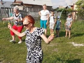 Международный праздник День соседей отметили 31 мая жители домов по ул.Центральная с. Русская Швейцария..