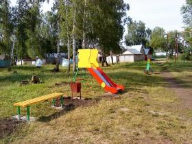 Детская площадка в с. сан. Глуховского!